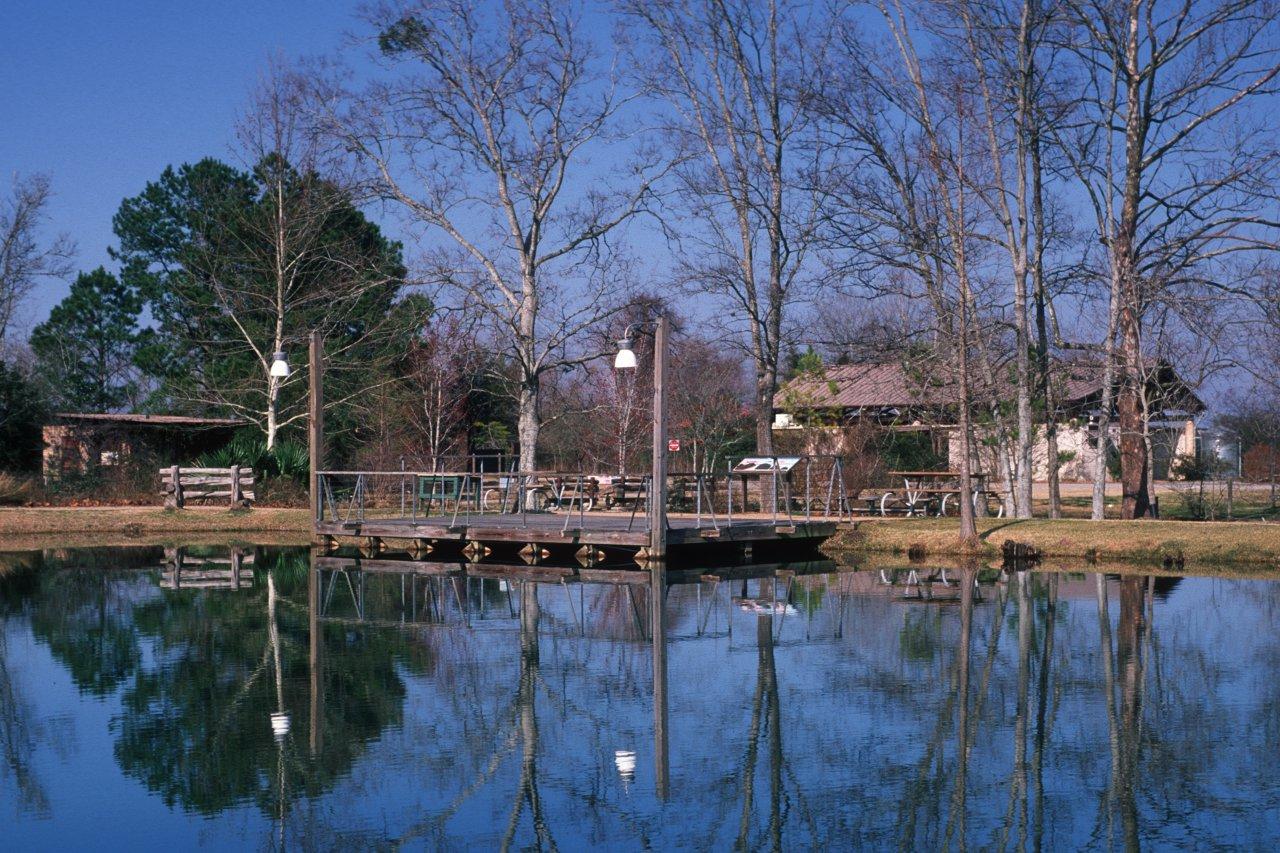 946-sheldon_lake_fishing_pier